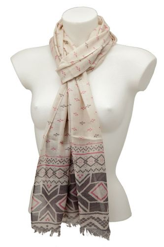 Geometric Design Scarf